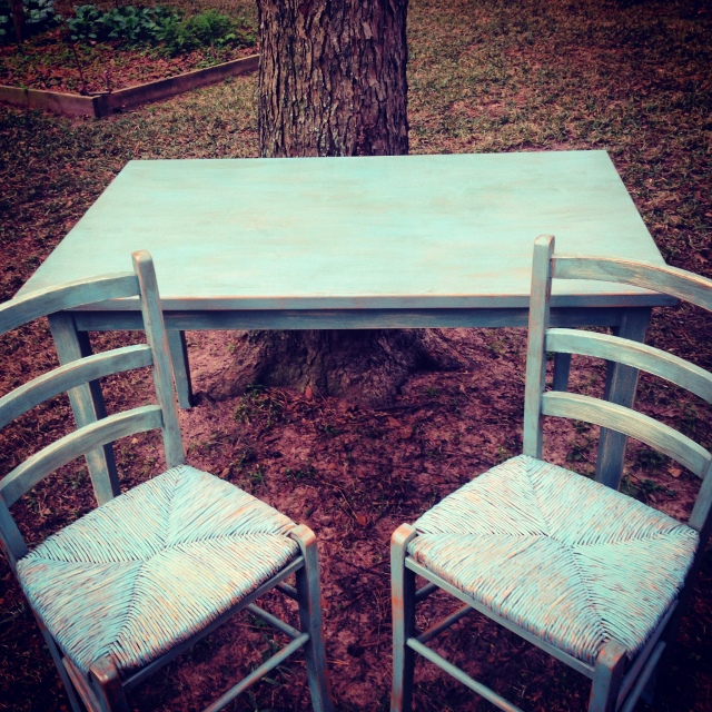 TableInstagramwithchairs